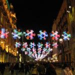 Recorrer el centro de Barcelona en Navidad