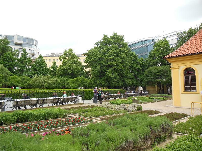 800px-Praha,_Nové_Město,_Františkánská_zahrada_(3)