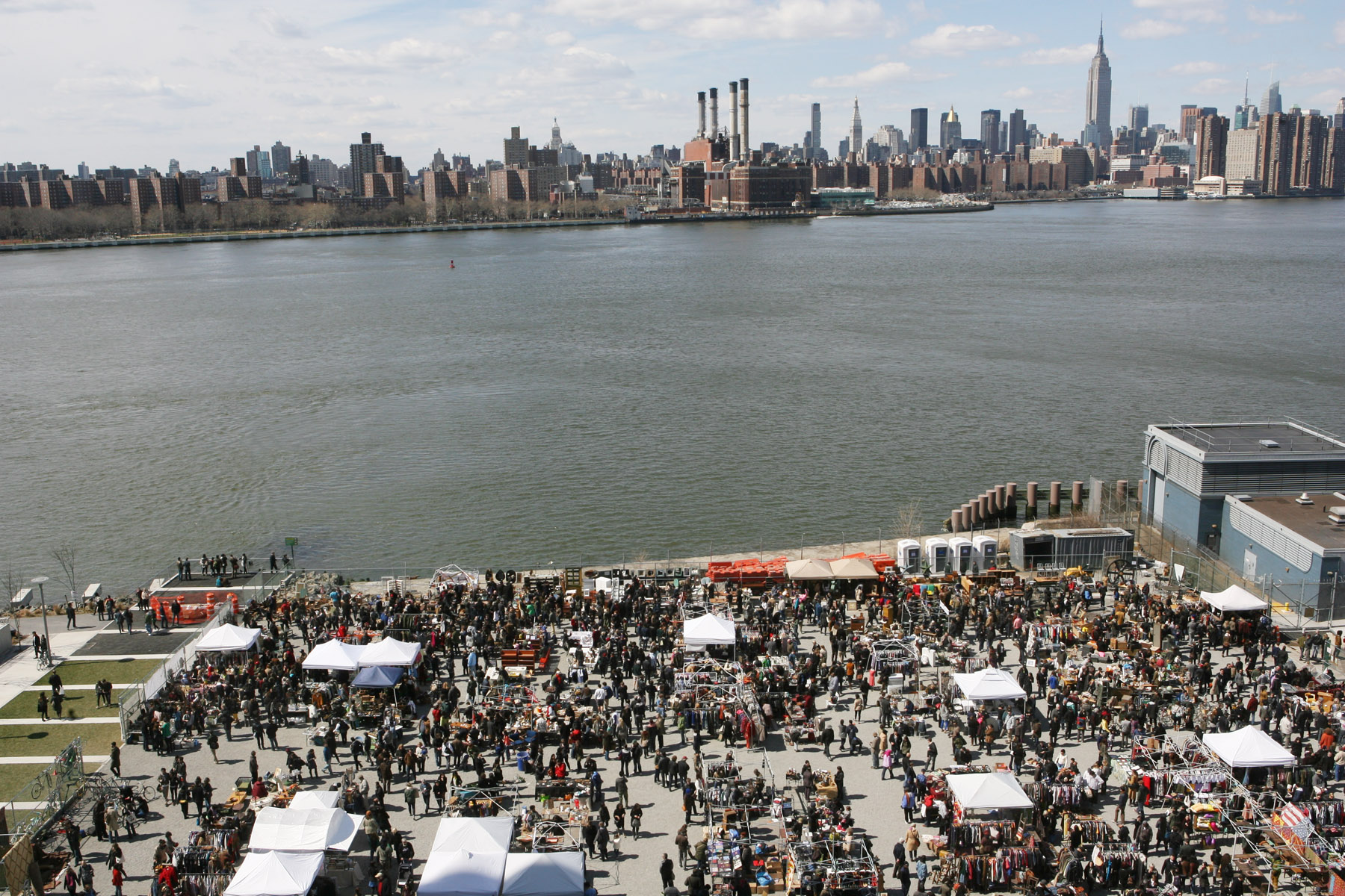 The_Brooklyn_Flea_at_Williamsburg